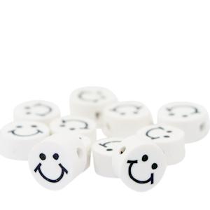 Polymeer kralen smiley wit